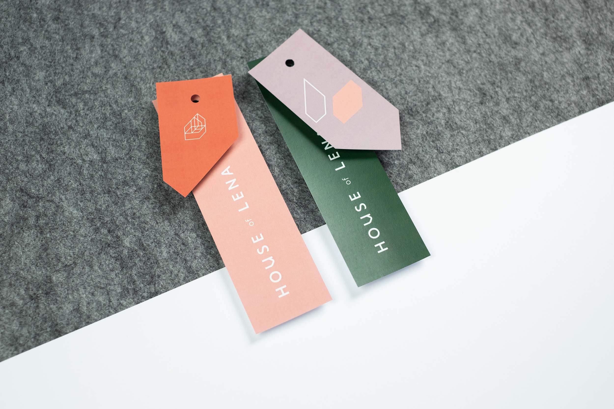 Twee grafisch ontwerp kleding labels voor House of Lena